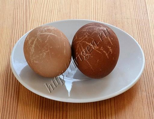 яйца, окрашенные в свекольном отваре