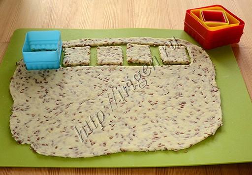 приготовление крекеров с семенами льна