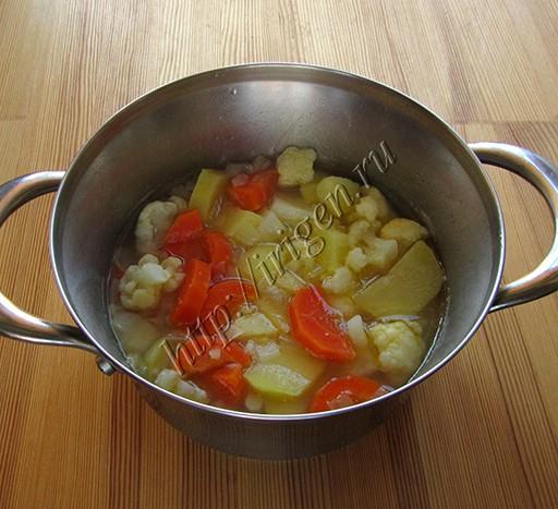 приготовление овощного супа-пюре с цветной капустой