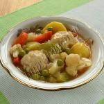 куриные фрикадельки с овощами