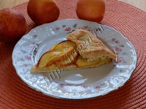 галета с персиками  разрез