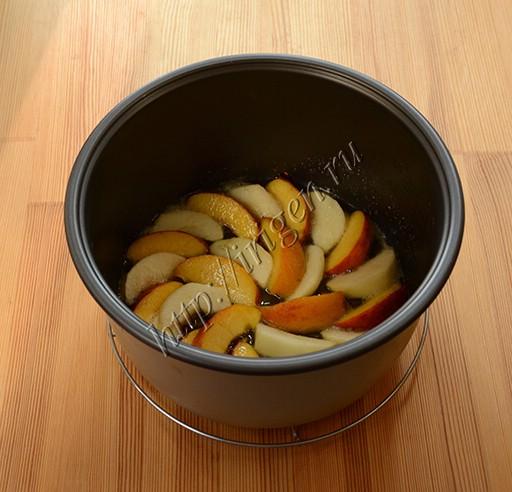 приготовление творожной запеканки с фруктами
