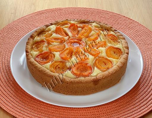 пирог с творожным сыром и абрикосами после выпечки