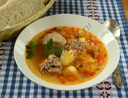 томатный суп с индейкой и рисом