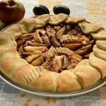 галета с яблоками и сливами