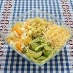 приготовление салата из авокадо с яблоком и сыром