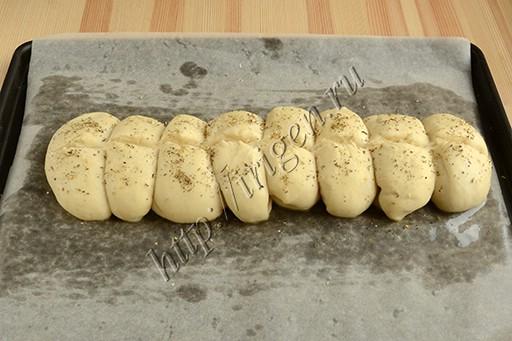 приготовление постного хлеба гусеничка