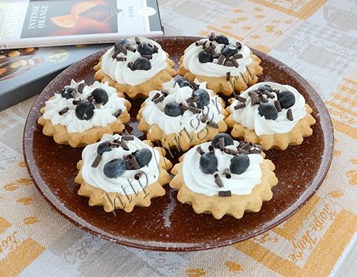 пирожные корзиночки с белковым кремом