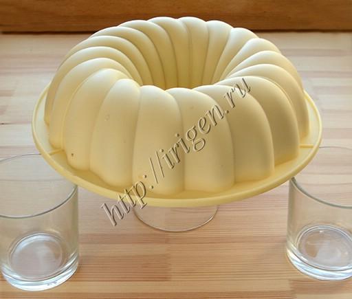 остывание бисквита на стаканах