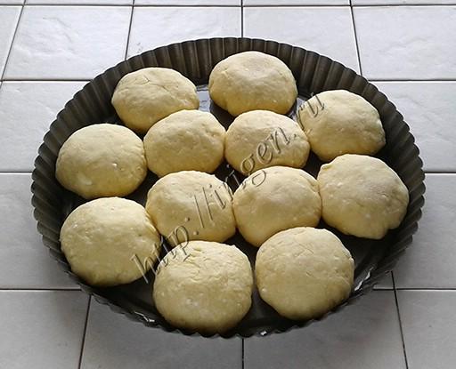 булочки творожные сдобные перед выпечкой