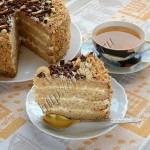 торт бархатный с фруктовой пропиткой