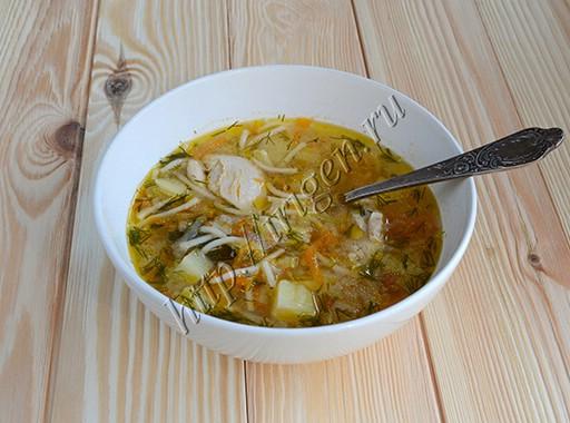 суп куриный с кабачком и вермишелью