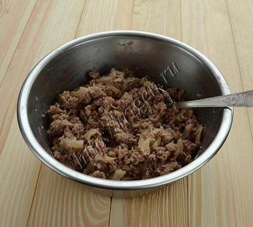 начинка из отварного мяса с капустой