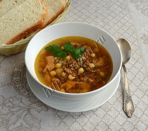 суп из индейки с чечевицей и нутом