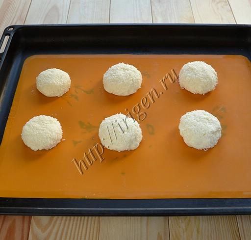 булочки-сырники перед выпечкой