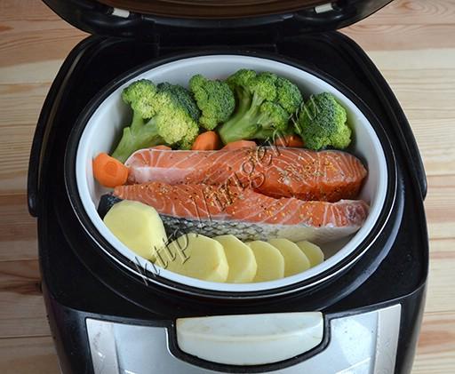приготовление лосося с овощами в мультиварке