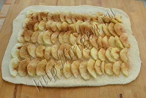 рулет-с-яблоками-из-творожного-теста (1)