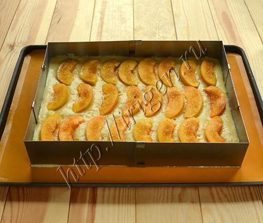 приготовление манника с персиками