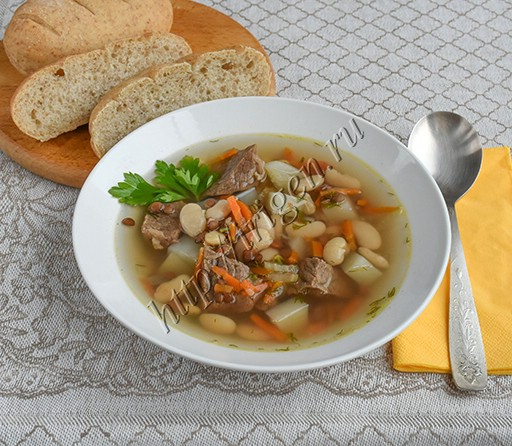 мясной суп с фасолью и чечевицей