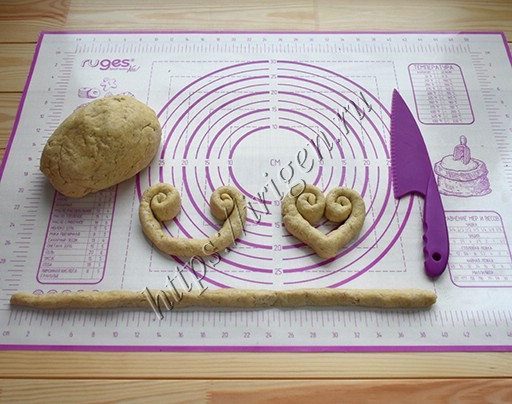 приготовление творожно-ореховых сердечек