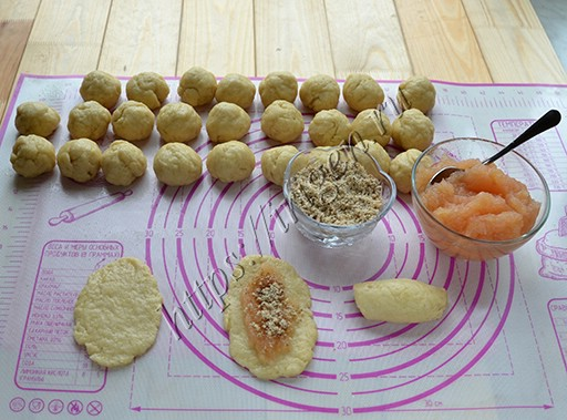 приготовление печенья яблочные рулетики
