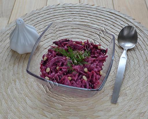 салат из свёклы с черносливом