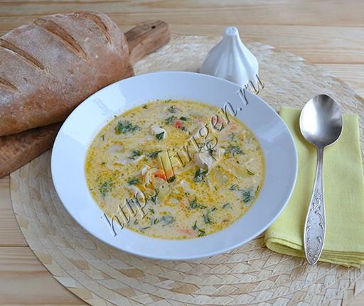 сырный суп с индейкой и домашней лапшой