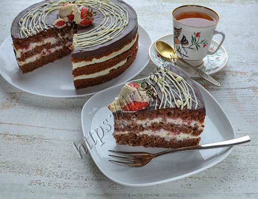 торт клубника в шоколаде