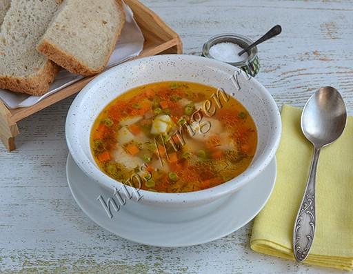 овощной суп с индейкой и зеленым горошком